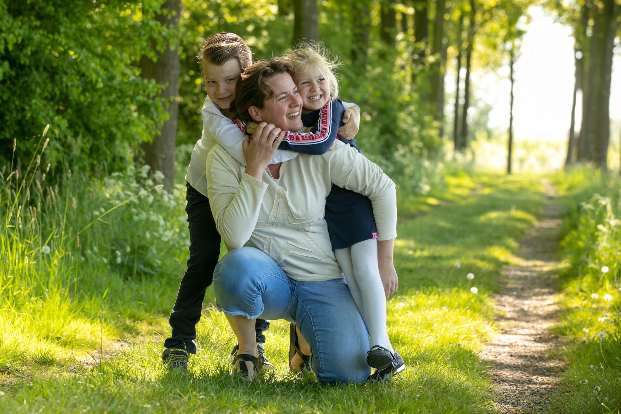 Beloved fotoshoot kinderen en moeder